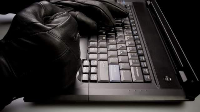 """Recevez notre cheatsheet """"Sécurité Intranet sous Wordpress"""" -- WAW"""