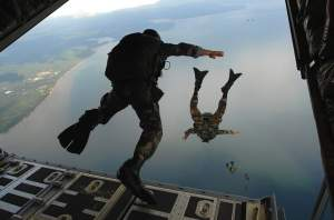 combat-diver-60545_640