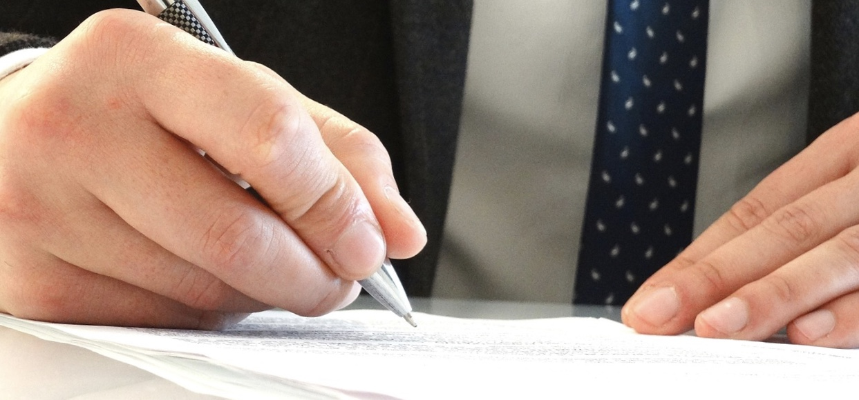 Signer un pdf : l'astuce qui fait gagner du temps