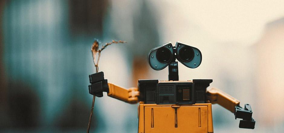 Faux trafic: les robots envahissent la moitié des visites de sites web